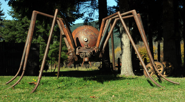 Recycled Spirits of Iron Ex Nihilo Elbe sculpture park spider