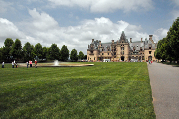 Biltmore Estate lawn