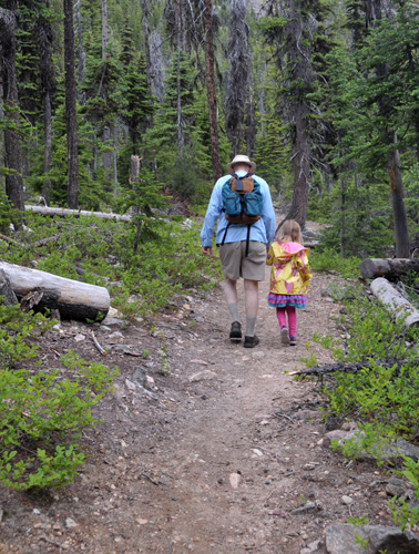 Hiking Cutthroat Lake Trail Okanogan-Wenatchee National Forest