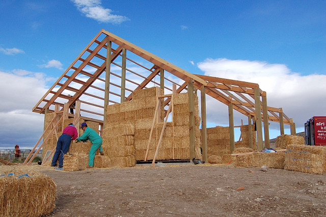 Ellensburg straw bale construction workshop for Timber frame straw bale house plans