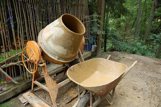 Мешалка для глины и соломы