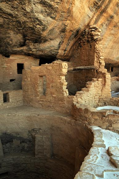 Mesa verde national park anasazi ruins for Kiva house