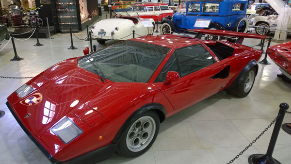 lamborghini countach at san diego automotive museum in balboa park. Black Bedroom Furniture Sets. Home Design Ideas
